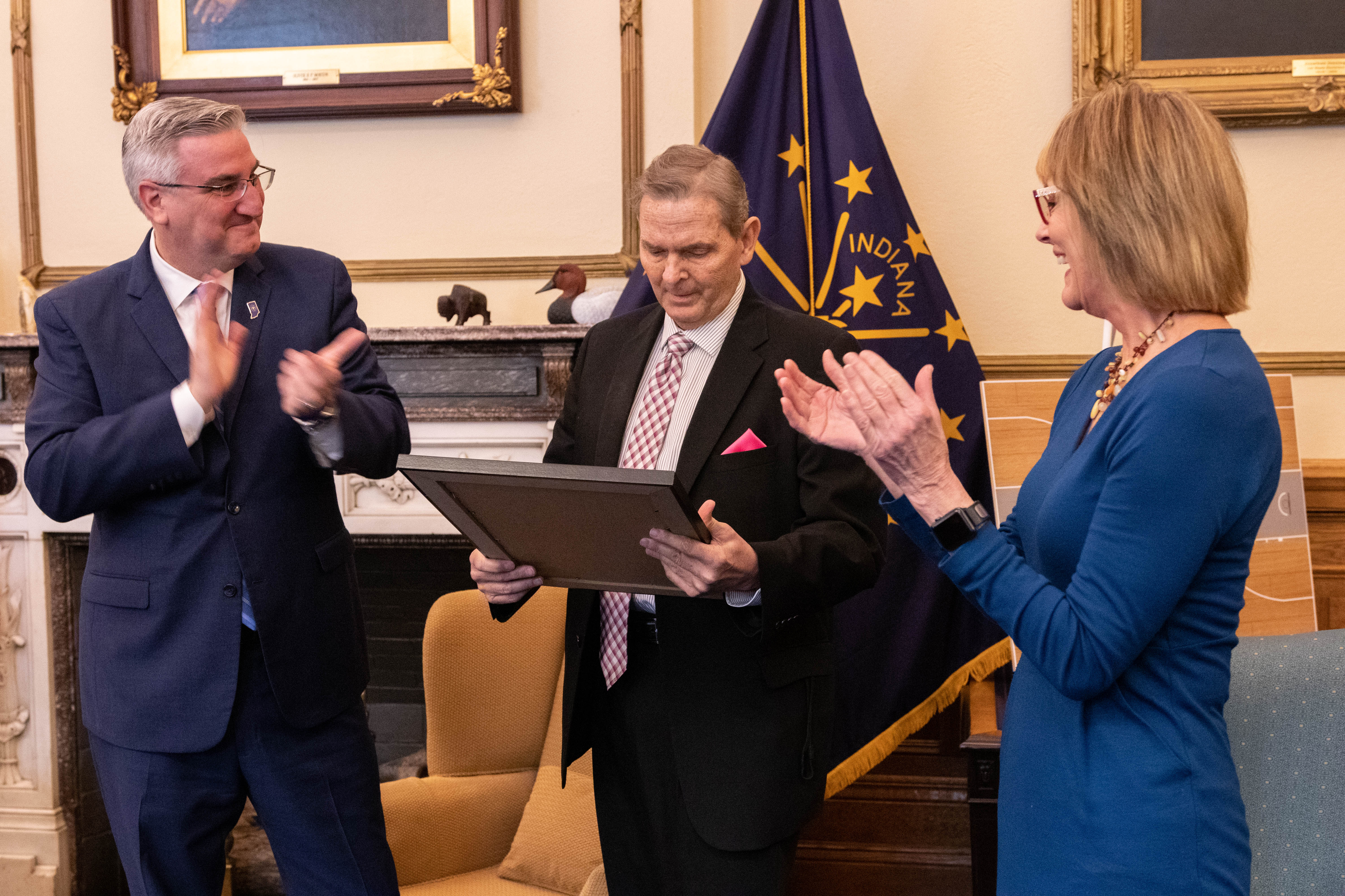 Indiana governor presents Vincennes University's Phil Rath prestigious Sagamore of the Wabash honor